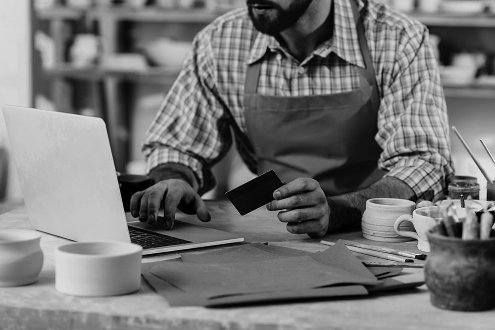 Line of Credit vs Credit Card: What's Better for Your Business?
